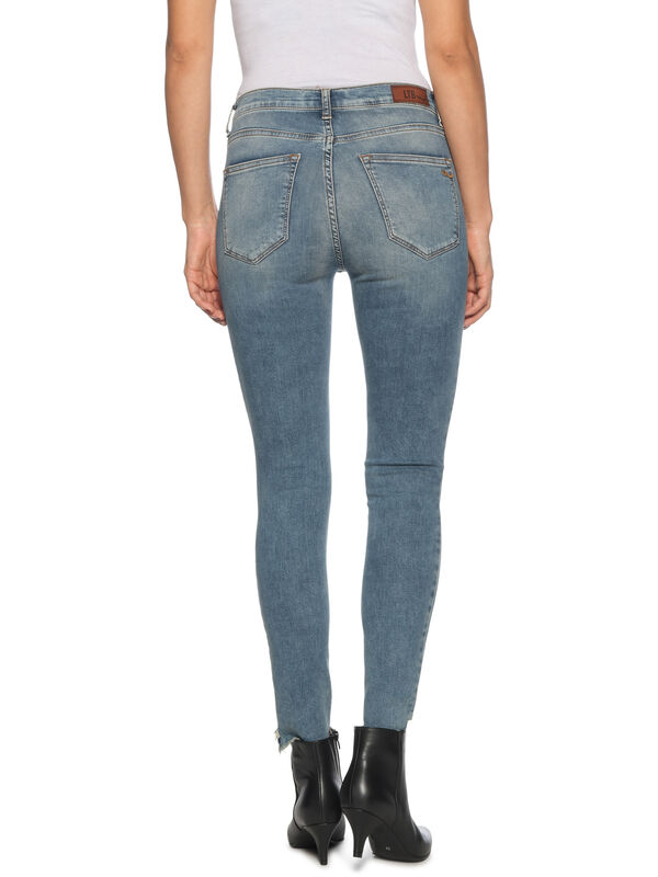 Cinda Jeans