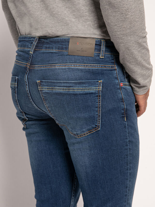 Shaped-Fit Jeans