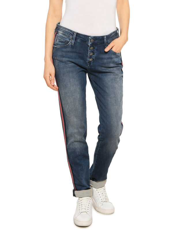 Andrea Jeans
